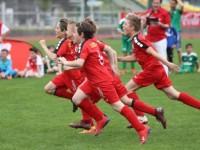 Rothosen-U12 beim Finale vom Coca-Cola Cup (21.04.19)