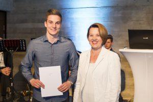 Florian Prirsch mit Bürgermeisterin Andrea Kaufmann