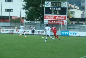 Marc Kühne (5) bei einem seiner schnellen Vorstöße!